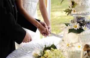 rezanje poročne torte